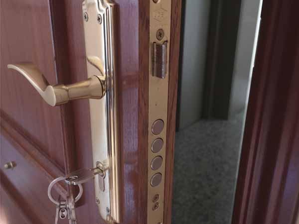 Cerrajeros en Jaén 24h urgentes al mejor precio - cerrajerosjaen24h.com